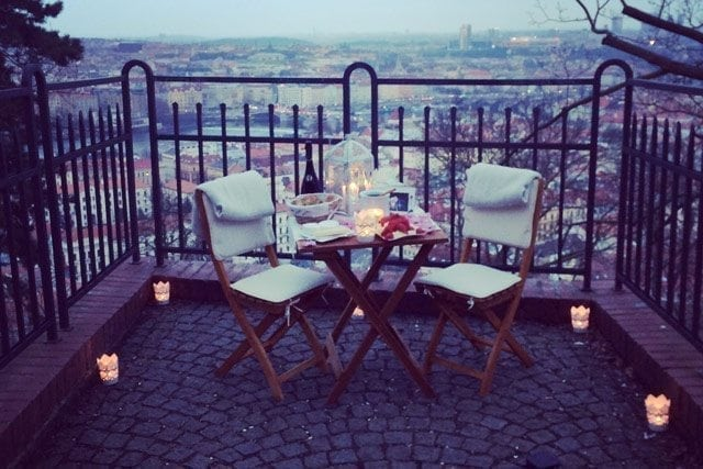 romantic surprise in Prague